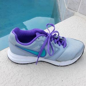 NIKE Downshifter Running Shoe Sneaker Size 5.5